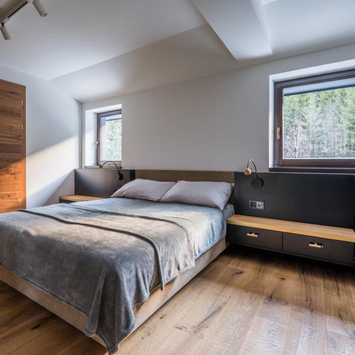 Apartmán Špindlerův Mlýn – Ložnice sobkladem topení