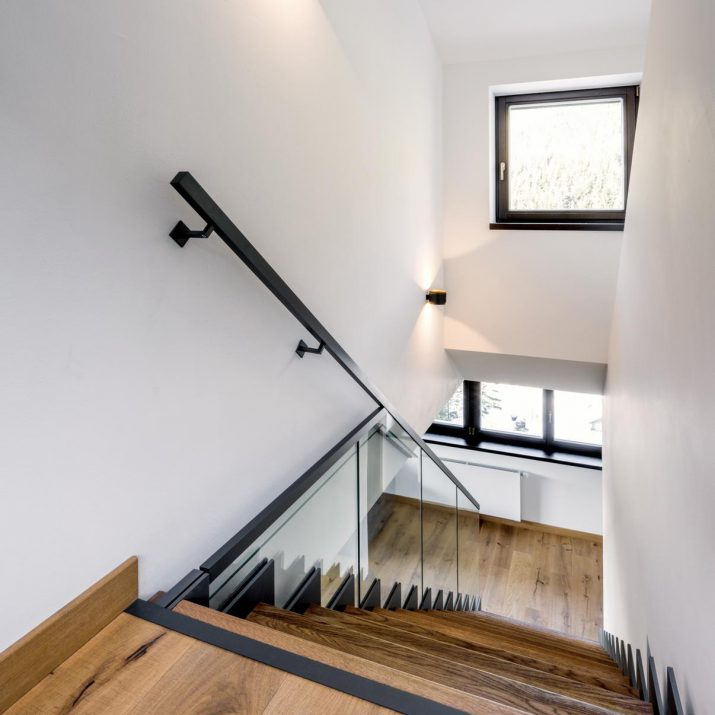 Apartmán Špindlerův Mlýn – Osvětlené schodiště